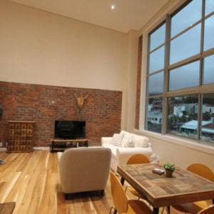 314 Westside - Loft Apartment Lounge & Dining Area