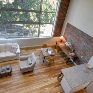 314 Westside Studios - Loft with Double Volume Ceilings & Huge Windows