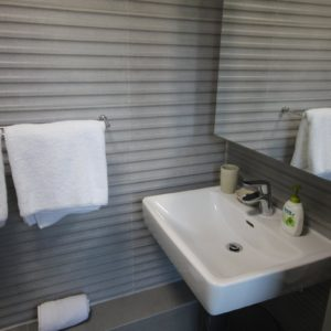 314 Westside Studios - Bathroom