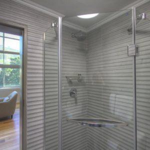 314 Westside Studios - Bathroom with Shower